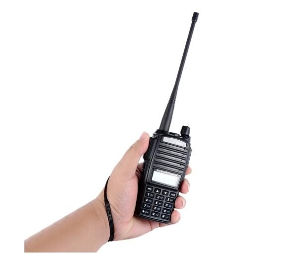 Set 3 statii UV- 82 walkie talkie transiever, 5 W,  dual band VHF, UHF, 2800 mAH , radio FM